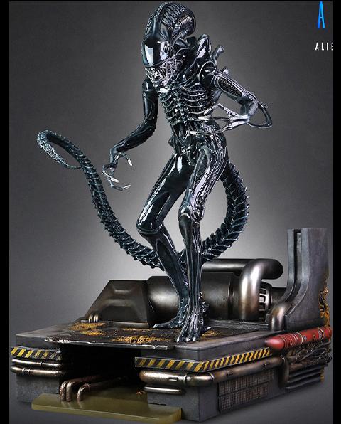 CoolProps Alien Warrior Deluxe Maquette