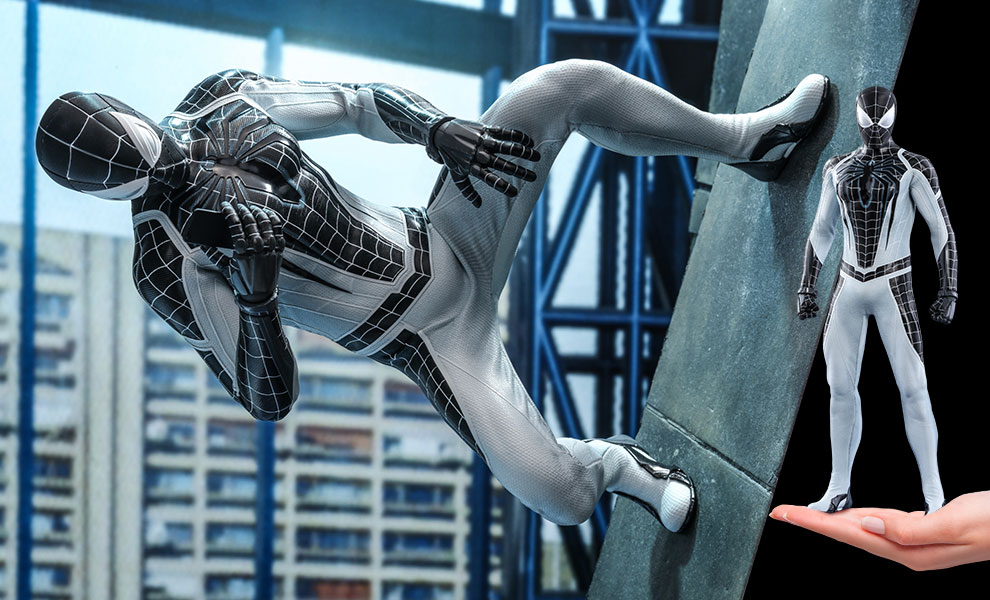 Gallery Feature Image of Spider-Man (Negative Suit) Sixth Scale Figure - Click to open image gallery