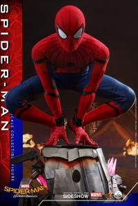 Gallery Image of Spider-Man Quarter Scale Figure