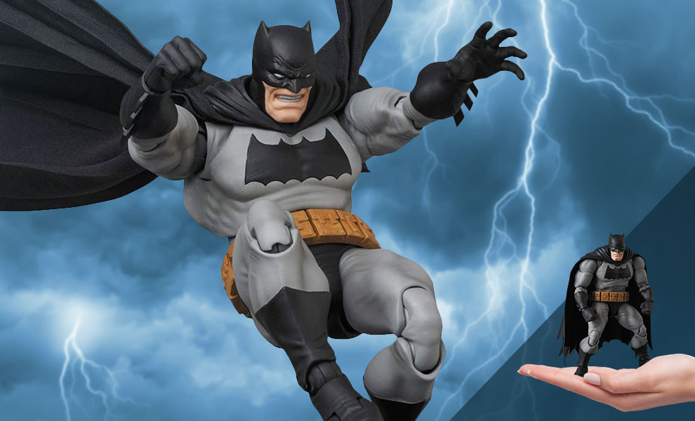 "Gallery Feature Image of Batman ""The Dark Knight Returns"" Collectible Figure - Click to open image gallery"