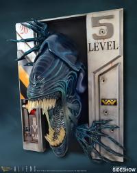 Gallery Image of Alien Queen Statue