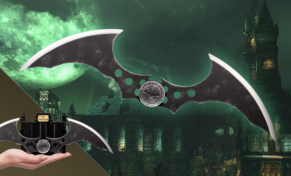 Gallery Feature Image of Batman: Arkham Asylum (2009) Metal Batarang Replica - Click to open image gallery