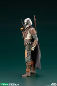 Gallery Image of The Mandalorian Statue