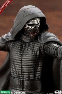 Gallery Image of Kylo Ren 1:10 Scale Statue