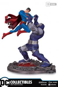 Gallery Image of Superman vs Darkseid Battle Statue