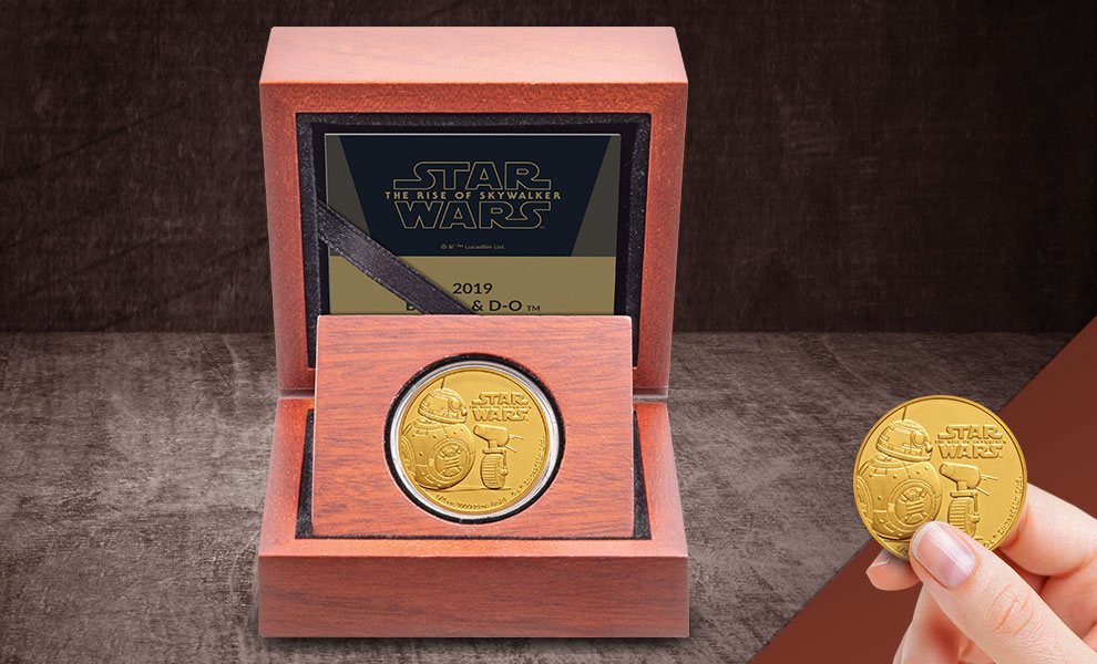 Gallery Feature Image of BB-8 & D-O Gold Coin Gold Collectible - Click to open image gallery