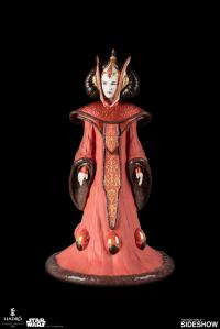 Gallery Image of Queen Amidala in Throne Room Figurine
