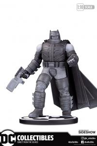 Gallery Image of Armored Batman Statue