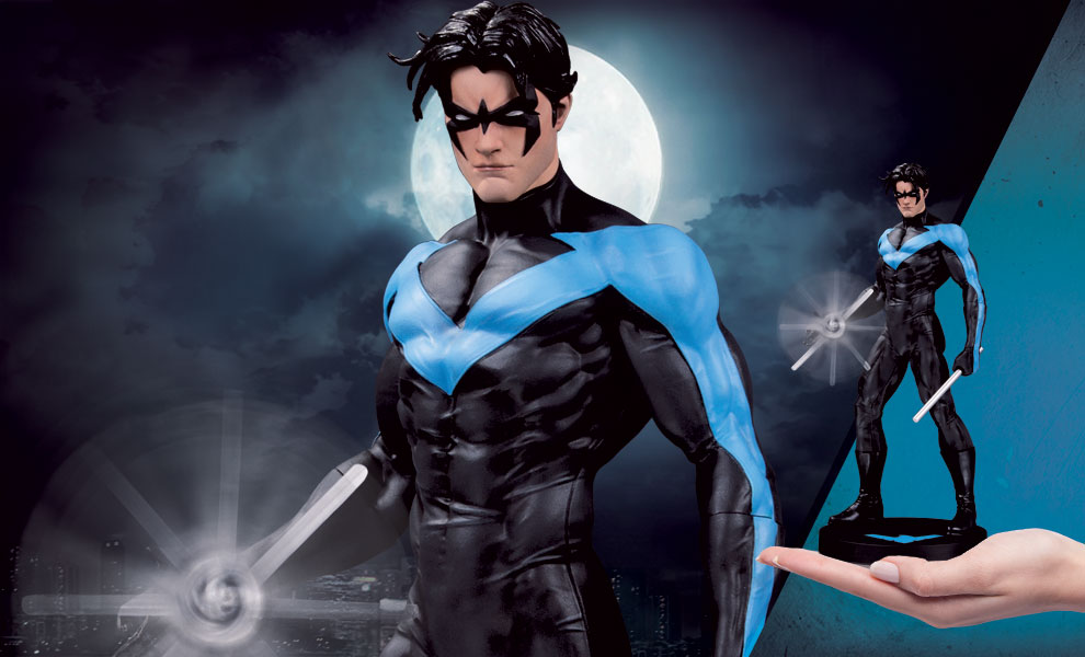 Gallery Feature Image of Nightwing (Mini) Statue - Click to open image gallery