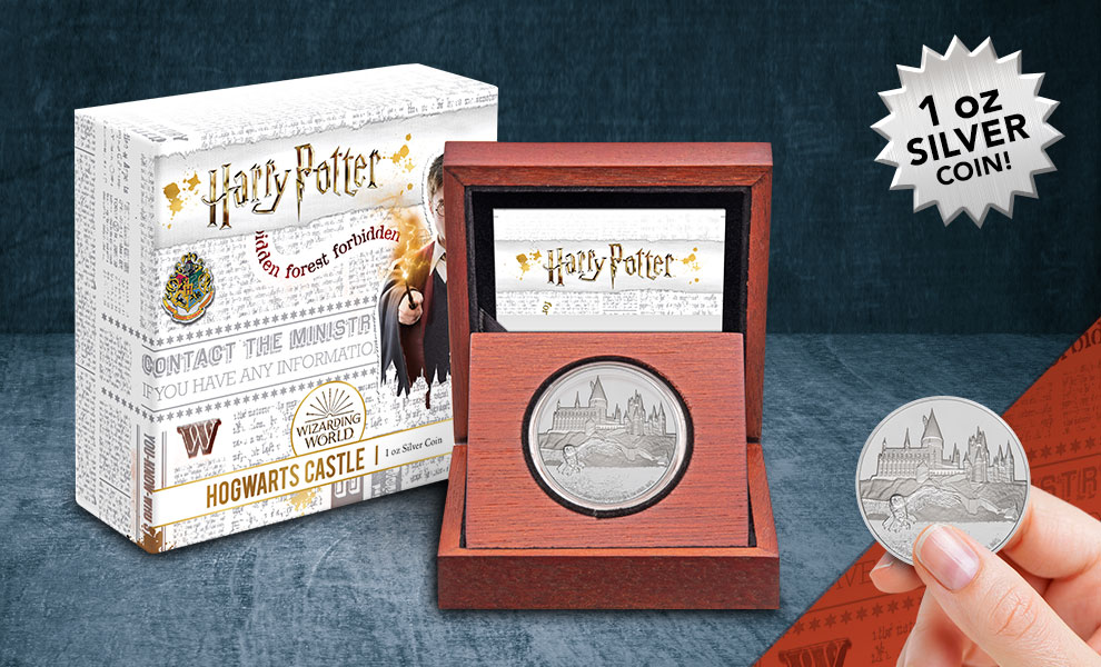 Gallery Feature Image of Hogwarts Castle Silver Coin Silver Collectible - Click to open image gallery