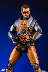Gallery Image of Gordon Freeman Sixth Scale Figure