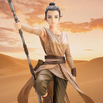 Rey Star Wars Statue