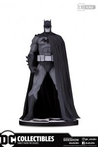 Gallery Image of Batman (Version 3) Statue