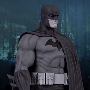 Batman (Version 3) DC Comics Statue