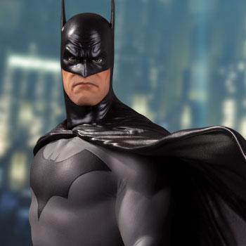 Batman (Deluxe) Statue