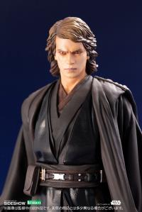 Gallery Image of Anakin Skywalker Statue
