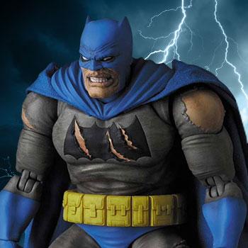 Batman (The Dark Knight Triumphant) Collectible Figure