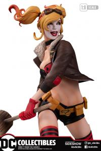 Gallery Image of Harley Quinn (Deluxe Version 2) Statue