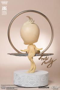 Gallery Image of Free Tweety Statue