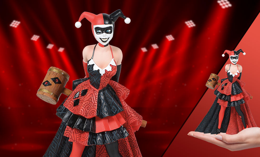Gallery Feature Image of Harley Quinn Couture de Force Figurine - Click to open image gallery
