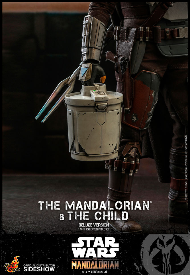 [Bild: the-mandalorian-and-the-child-deluxe_sta...60b576.jpg]