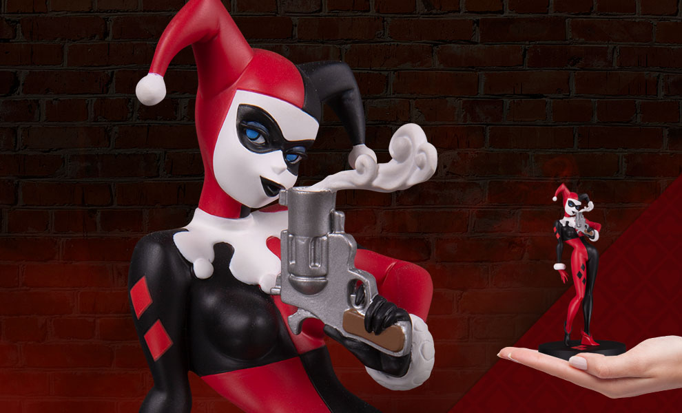 Gallery Feature Image of Harley Quinn (Mini) Statue - Click to open image gallery