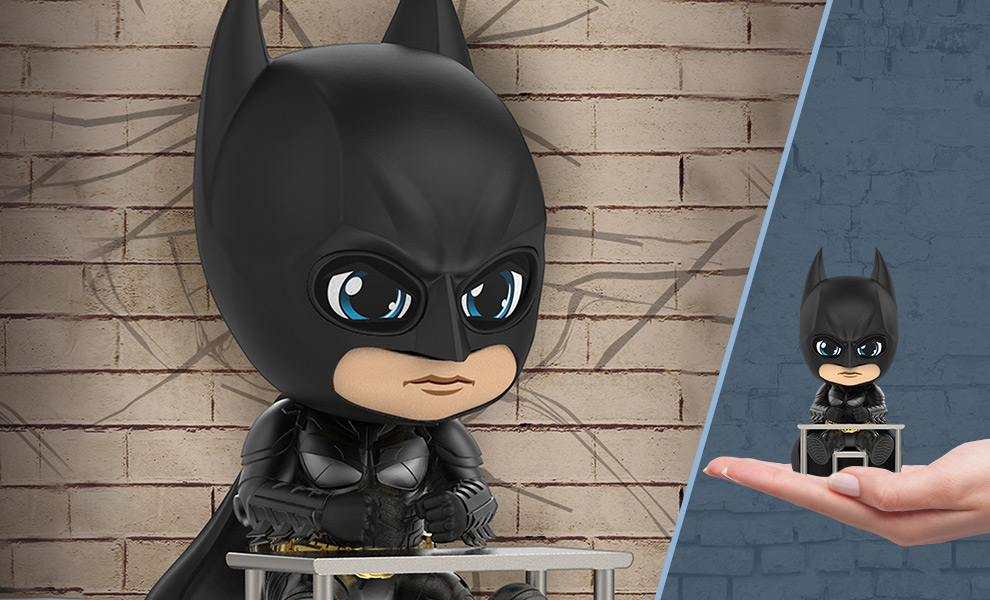 Gallery Feature Image of Batman (Interrogating Version) Collectible Figure - Click to open image gallery