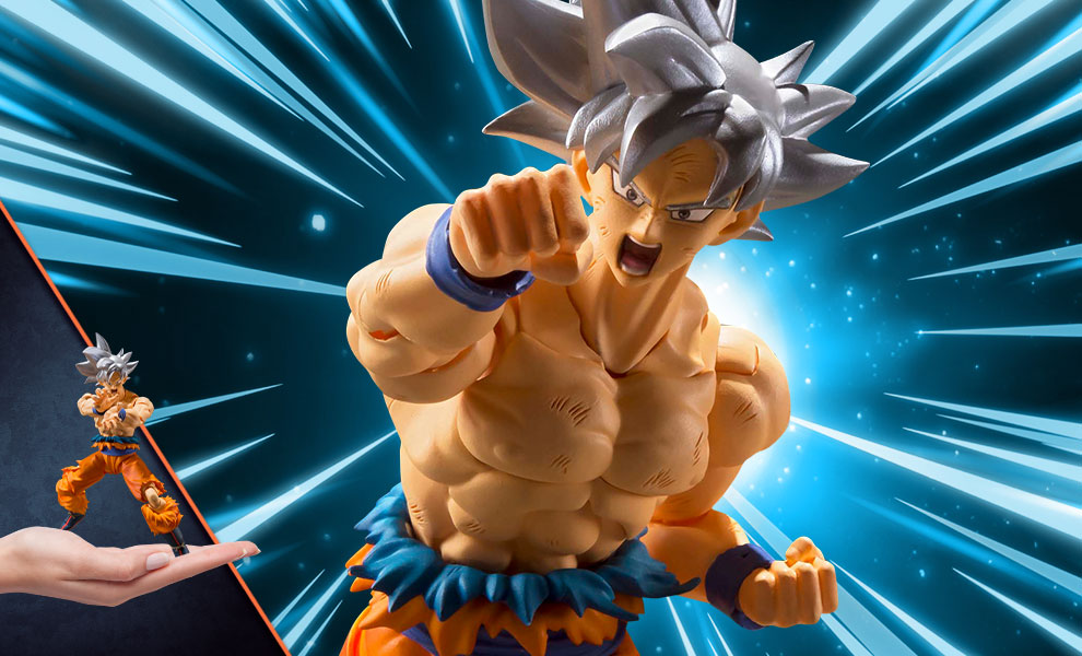 Gallery Feature Image of Son Goku (Ultra Instinct) Collectible Figure - Click to open image gallery