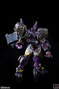 Gallery Image of Tarn Collectible Figure