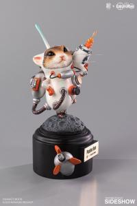 Gallery Image of Picoline Hum (White) Figurine