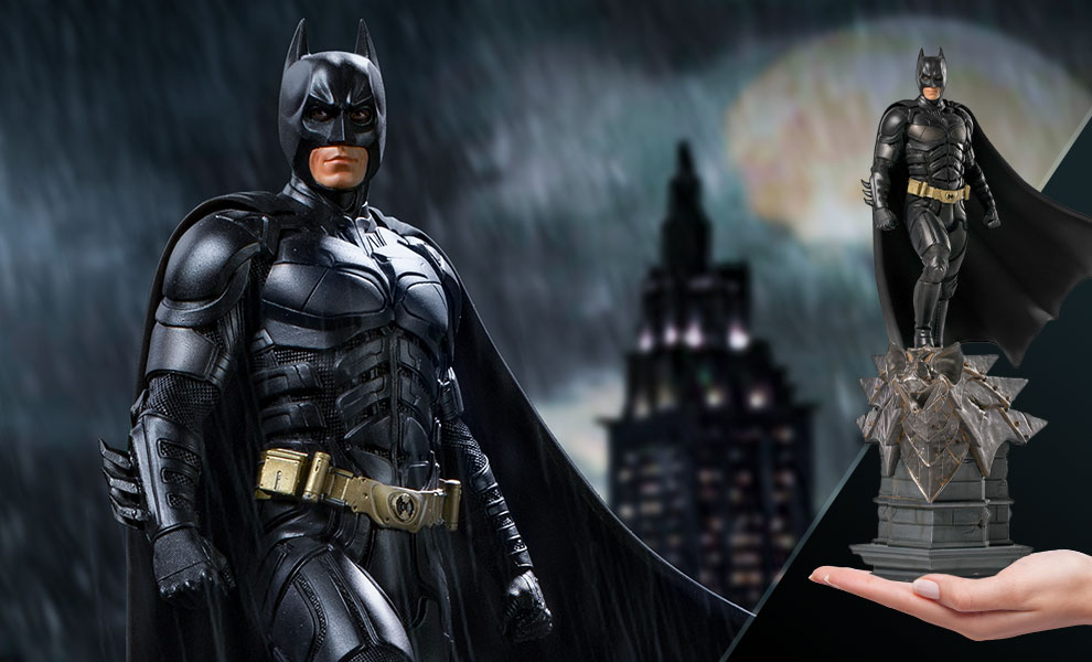 Gallery Feature Image of Batman Deluxe Statue - Click to open image gallery