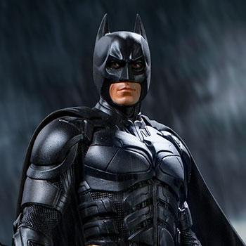 Batman Deluxe DC Comics 1:10 Scale Statue
