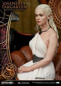 Gallery Image of Daenerys Targaryen, Mother of Dragons Statue