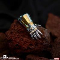 Gallery Image of Stark Gauntlet Necklace Jewelry