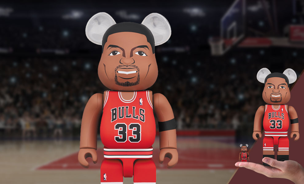 Gallery Feature Image of Be@rbrick Scottie Pippen (Chicago Bulls) 100% and 400% Collectible Set - Click to open image gallery
