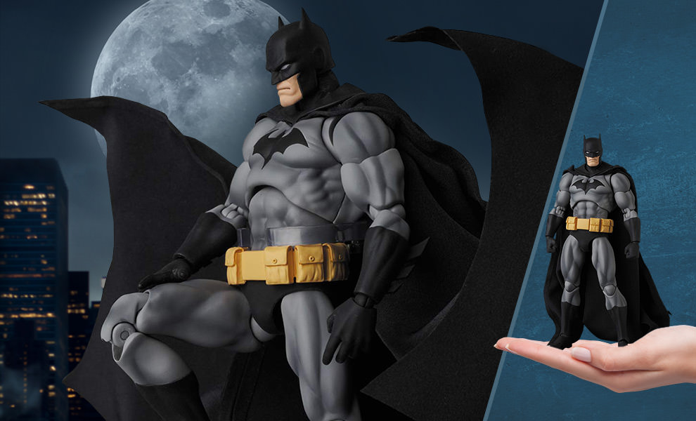 Gallery Feature Image of Batman (Hush Black Version) Collectible Figure - Click to open image gallery
