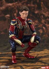 Gallery Image of Iron Spider (Final Battle Version) Collectible Figure