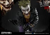 Gallery Image of The Joker Deluxe Version (Concept Design by Lee Bermejo) Statue