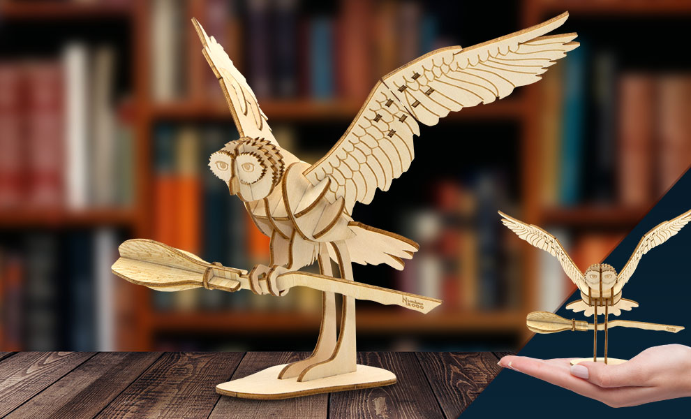 Gallery Feature Image of Hedwig Deluxe Book and Model Model Kit - Click to open image gallery