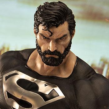 Superman (Black Version) DC Comics 1:3 Scale Statue