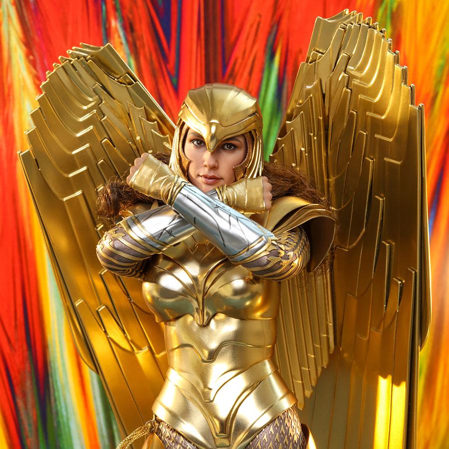 Golden Armor Wonder Woman (Deluxe) Sixth Scale Figure