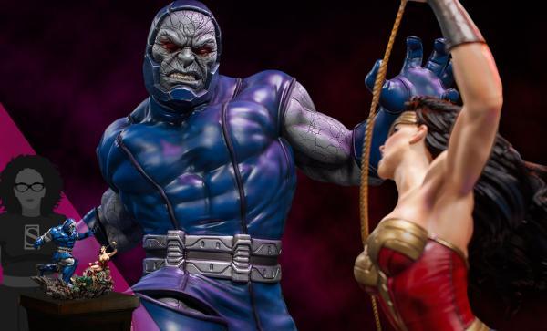 Wonder Woman Vs Darkseid Sixth Scale Diorama by Iron Studios