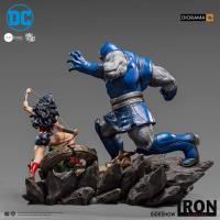Gallery Image of Wonder Woman Vs Darkseid Sixth Scale Diorama