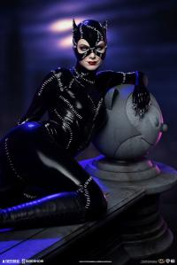 Gallery Image of Catwoman Maquette
