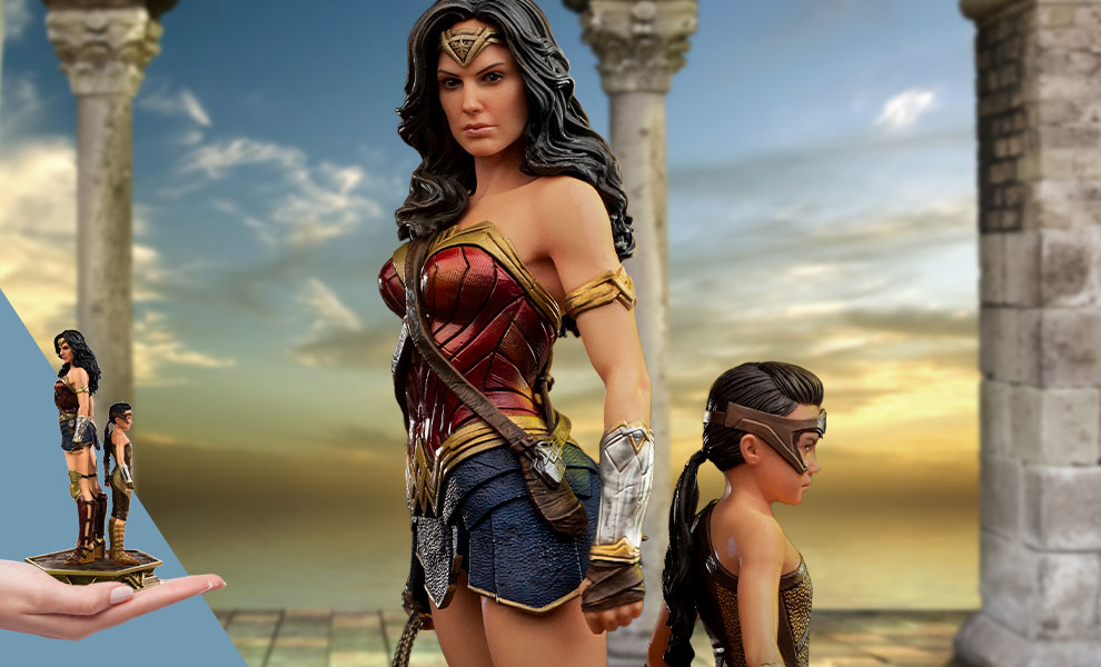 Gallery Feature Image of Wonder Woman & Young Diana 1:10 Scale Statue - Click to open image gallery