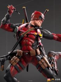 Gallery Image of Deadpool Deluxe 1:10 Scale Statue