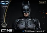 Gallery Image of Batman (Deluxe Version) Statue