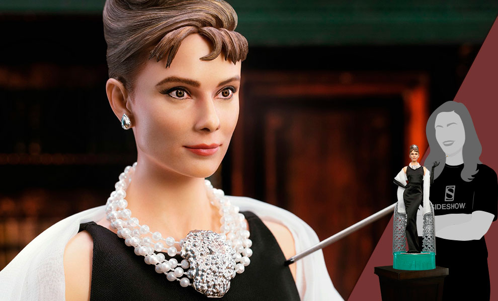 Gallery Feature Image of Audrey Hepburn as Holly Golightly (Deluxe With Light) Statue - Click to open image gallery