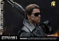 Gallery Image of T-800 Terminator Statue