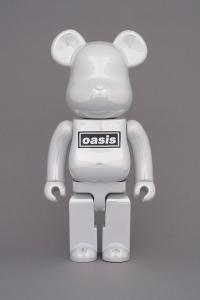 Gallery Image of Be@rbrick Oasis White Chrome 100% & 400% Bearbrick